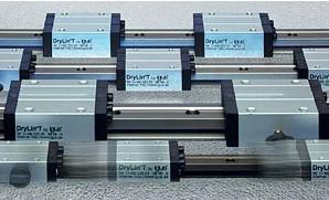 易格斯DryLinT-直线导轨系统|高性能免维护的直线导轨|适用在包装机械DryLinT直线导向系统掌控夹板