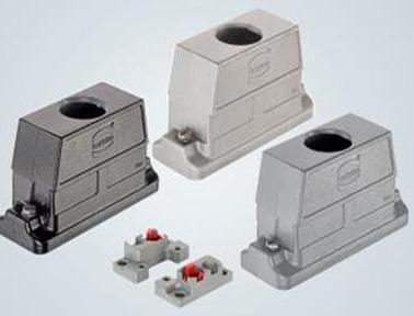 开关柜壁的直接密封——实现空间节省 / 可提供三种系统型号