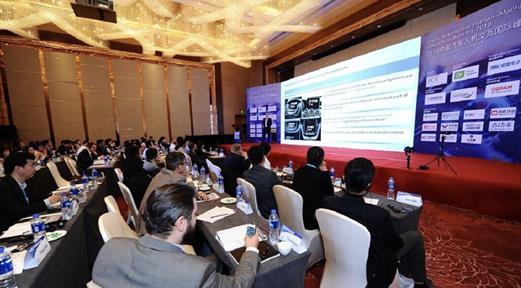 交互国际峰会,与现场来宾共同探讨汽车人机交互及自动驾驶的未来趋势