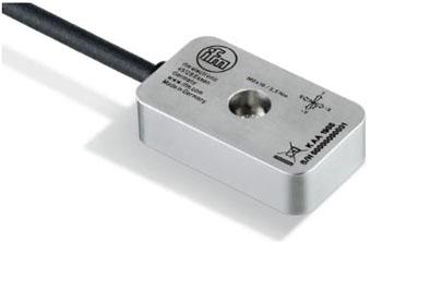 x、y和z轴:传感器对加速度进行三维检测