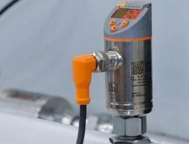 """为排气系统""""诞生"""",确保过程安全性的IO-Link流量传感器"""