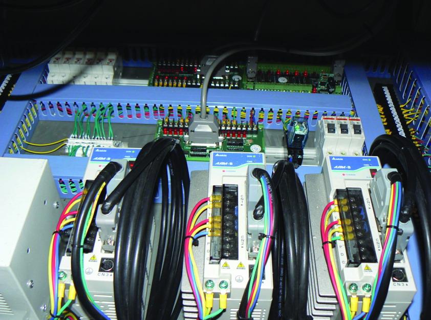 伺服及其他电器接线图