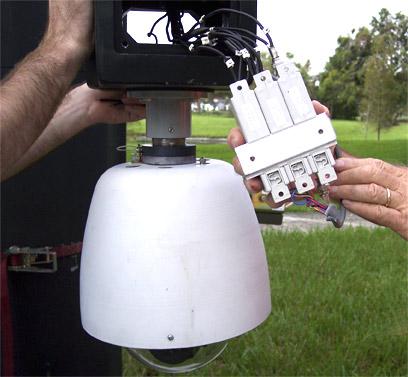 监控系统三合一防雷器lightning+protection+花朵包我有一表情图片